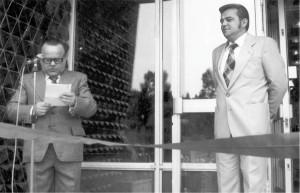 Otwarcie ośrodka w Złockiem przez władze administracyjne i partyjne fabryki. Od lewej: dyr. Marian Kosiński i I sekretarz KZ PZPR Adam Wojdalski